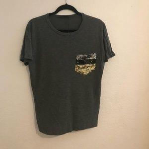 Zara   basic T shirt w/ sequence pocket   S